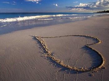 cuore in spiaggia